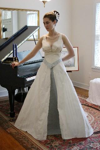 Mexilinks Toilet Paper Wedding Dress Contest